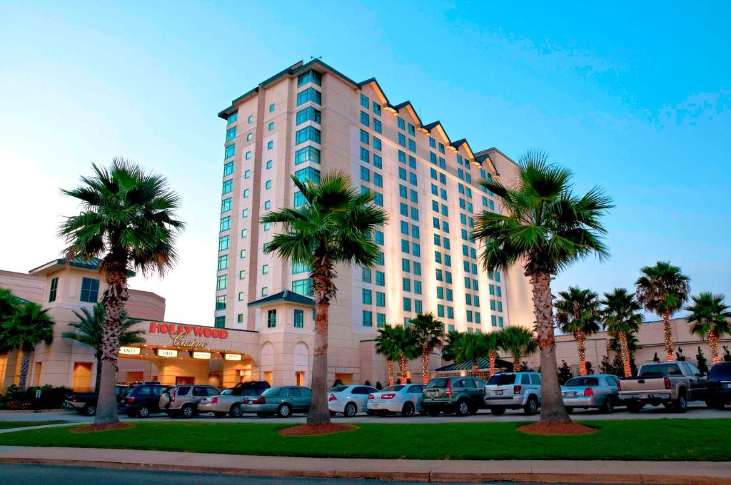 Hollywood casino biloxi casino poker schedule