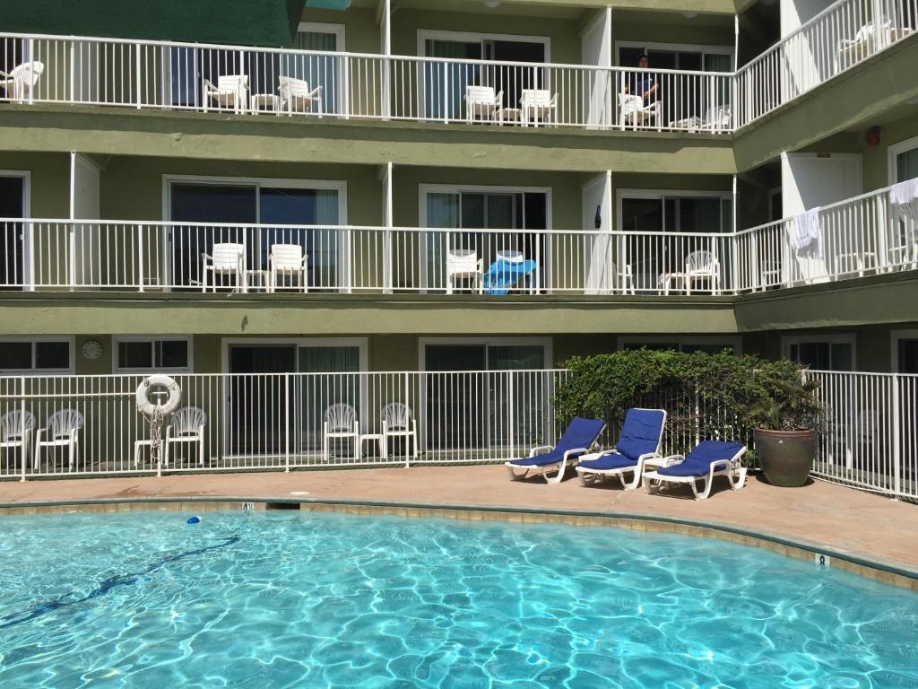 Surfer Beach Hotel (USA San Diego) - Booking.com