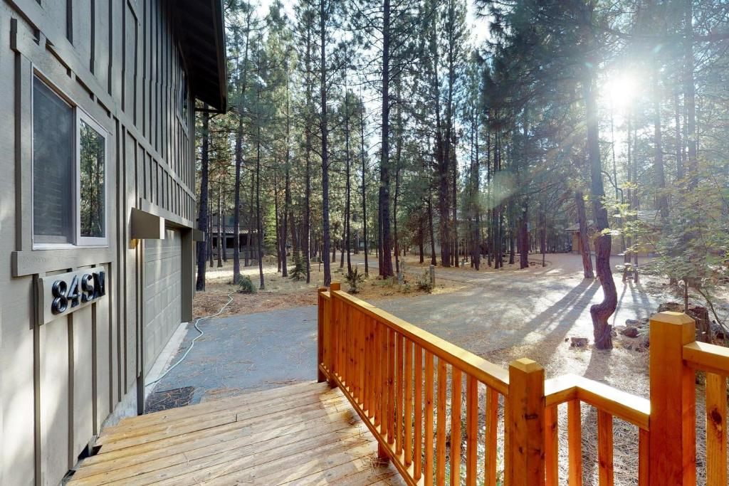 Vacation Home Black Butte Ranch: South Meadow Home Eighty-Four, OR ...