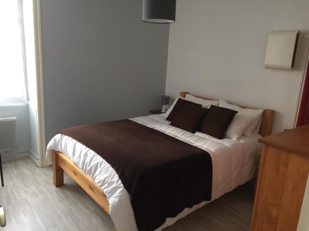 Apartments In Pisany Poitou-charentes