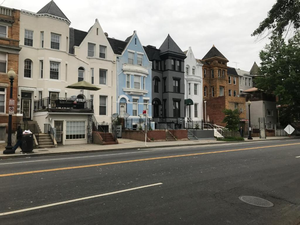 Washington DC residents prepay 50 million in taxes to dodge GOP law pics