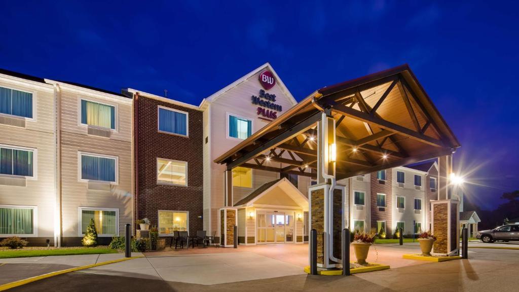 Hotels Menominee Wi 2018 World S Best Hotels