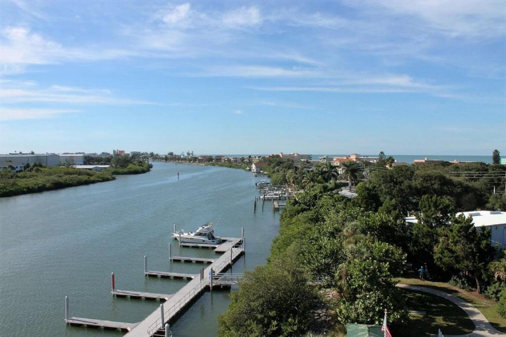 Harbourside At Marker Condo Condo Clearwater Beach FL - 616 area code usa