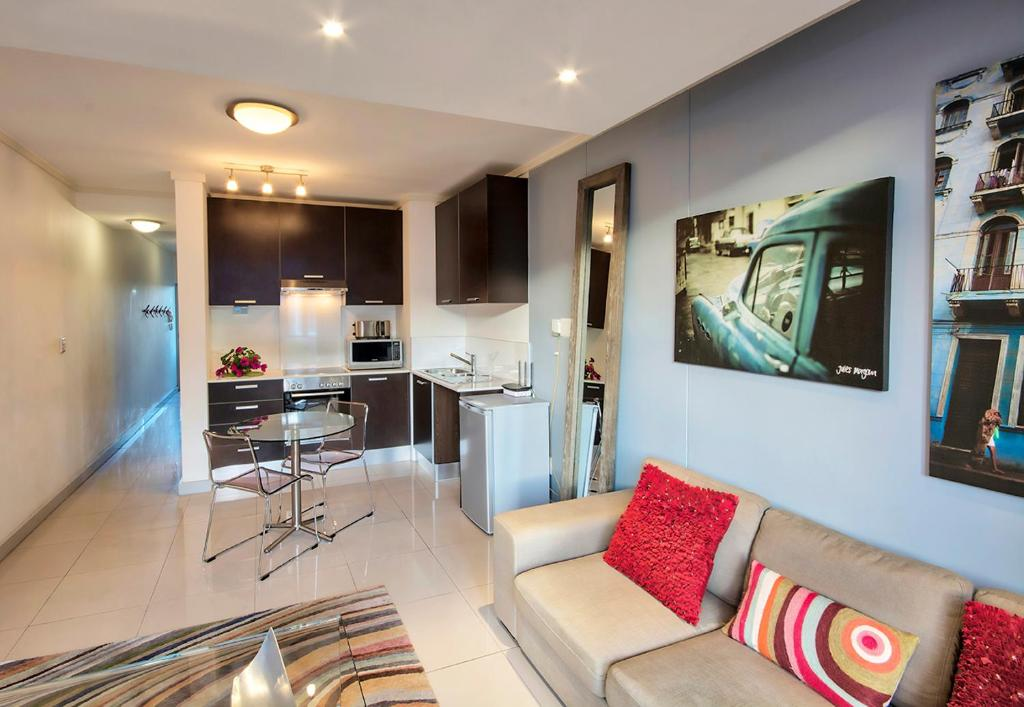 The quadrant apartments cape town south africa booking gallery image of this property reheart Choice Image