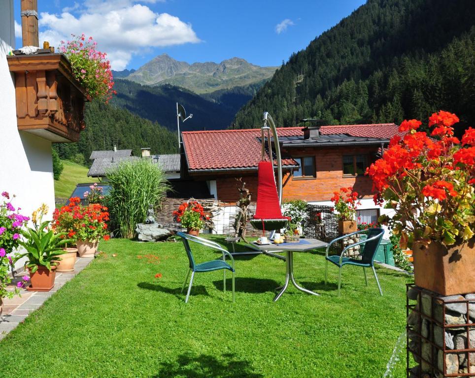 Ferienwohnung Ferienwohnung Winkler (Österreich Silbertal) - Booking.com