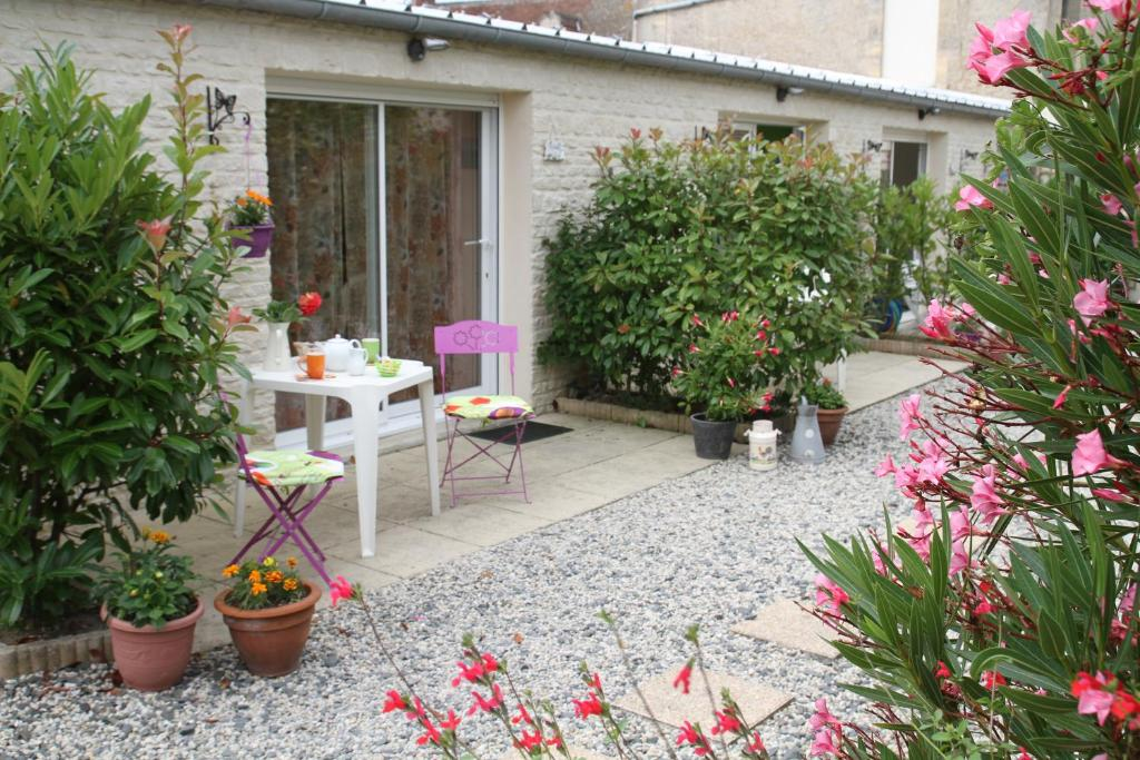 Guesthouse Chambres D Hotes Courseulles Sur Mer France Booking Com