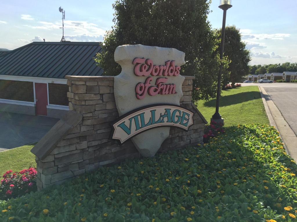 f0c5d937a4650 Worlds of Fun Village