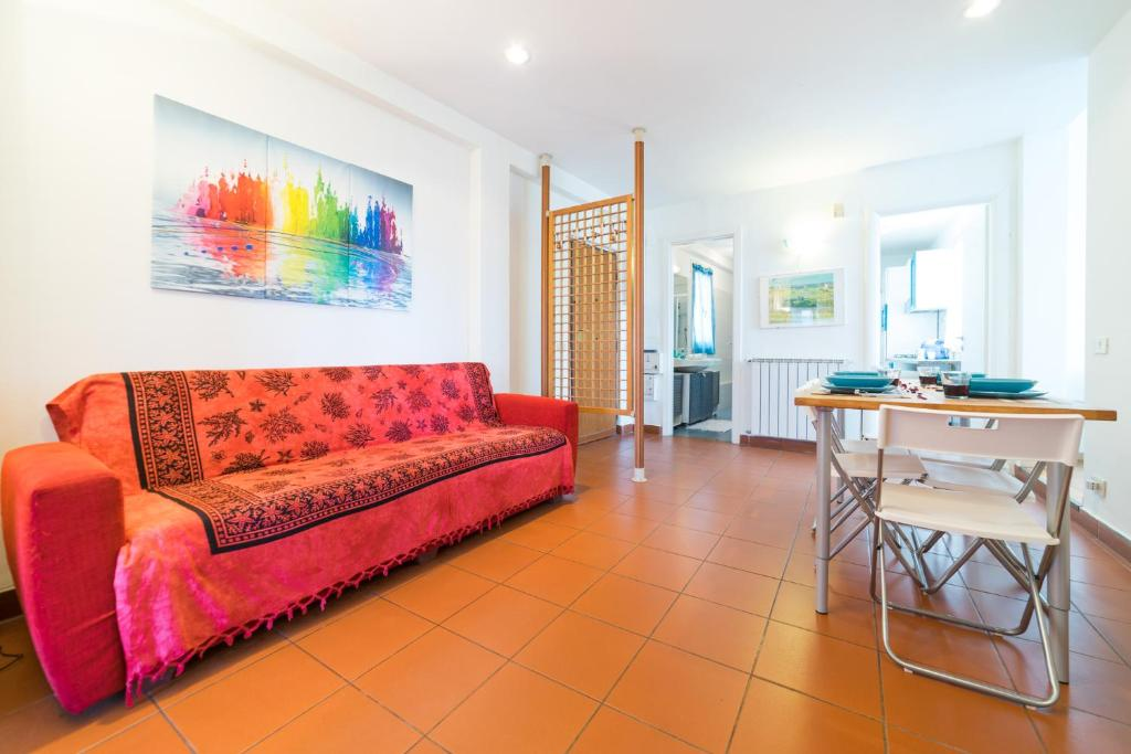 Sunny Flat with a Large Terrace close to Vatican, Roma ...