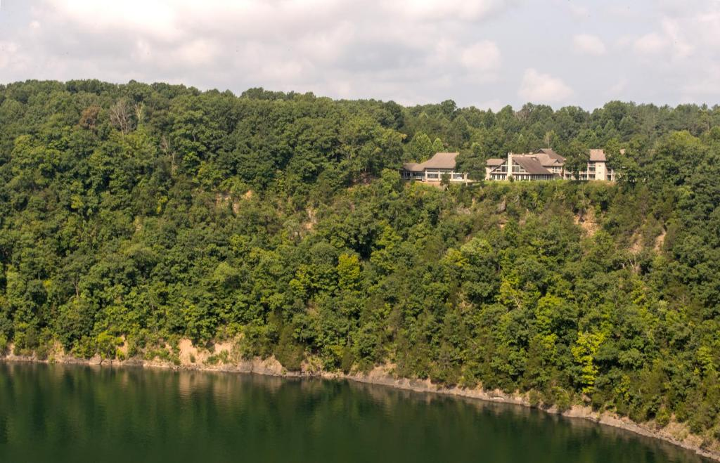 Dale Hollow Lake State Resort Park, Frogue, KY - Booking com