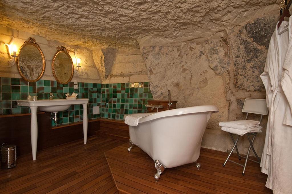 A bathroom at Demeure de la Vignole