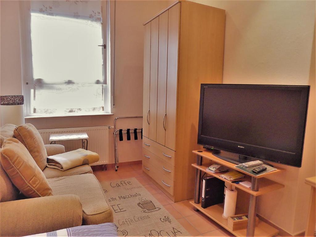 Häusser Apartment+Zimmer, Mühlheim, Germany - Booking.com