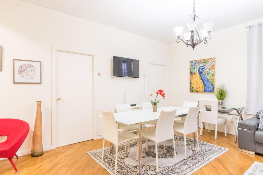 Gallery image of this property. Harlem 3 Bedroom Apartment  New York City  NY   Booking com
