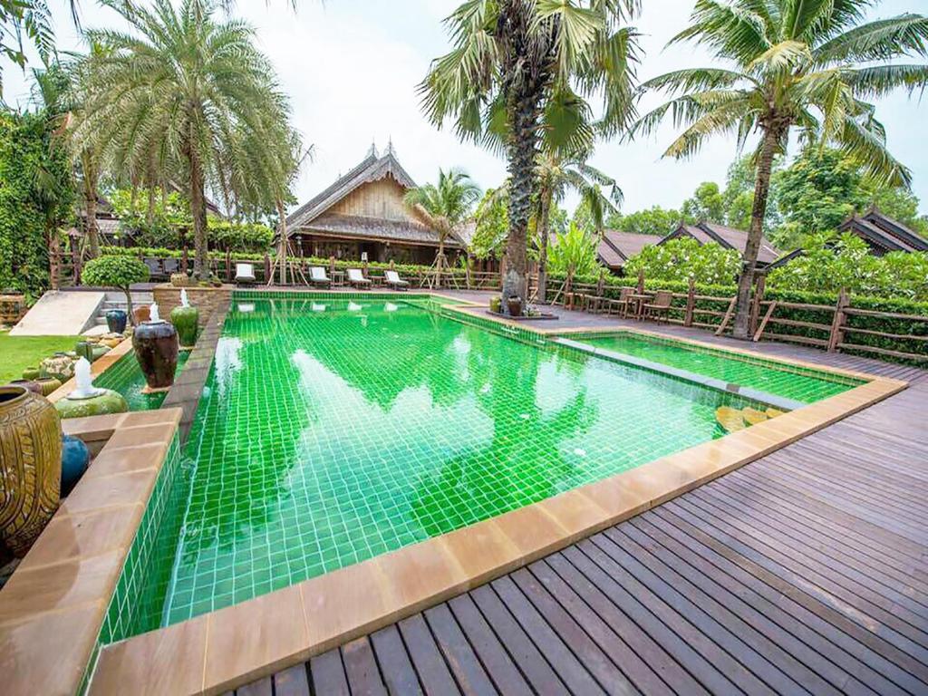 The swimming pool at or near Baan Baitan Resort