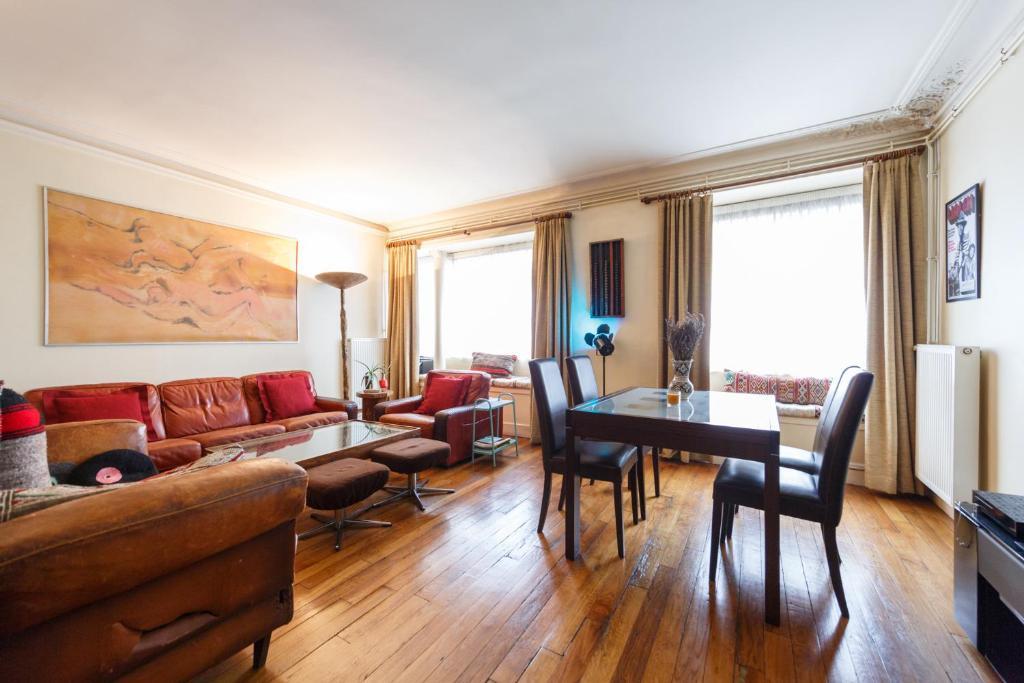 superbe appartement paris centre tr s bien situ capacit 5 personnes france. Black Bedroom Furniture Sets. Home Design Ideas