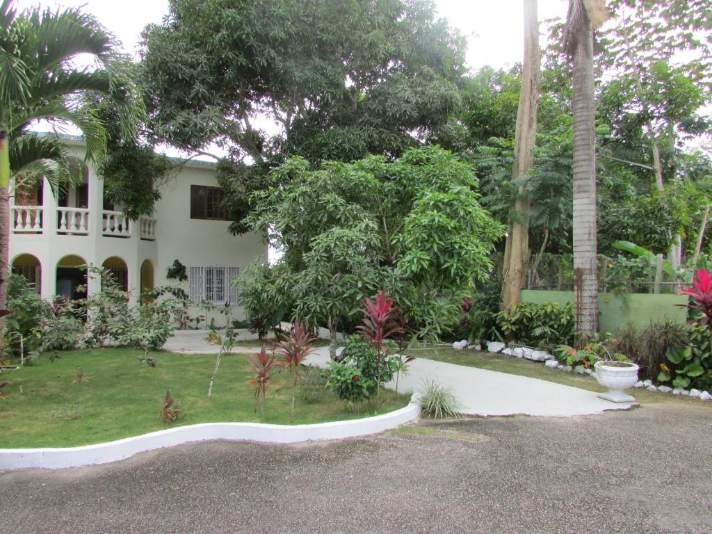 Ocean Wave Villa, Negril, Jamaica - Booking.com