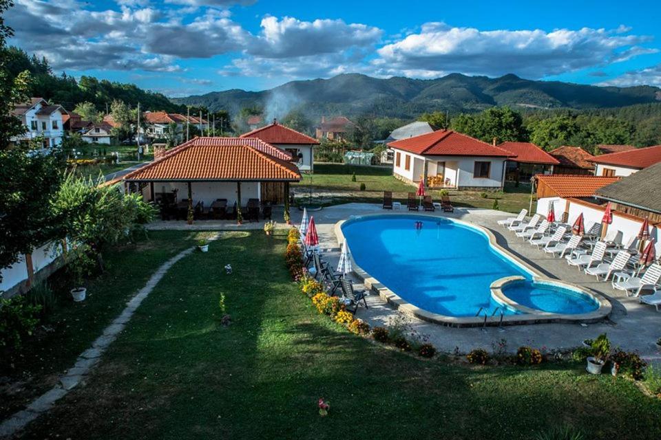 Къща за гости Complex Balkandzhii - Априлци
