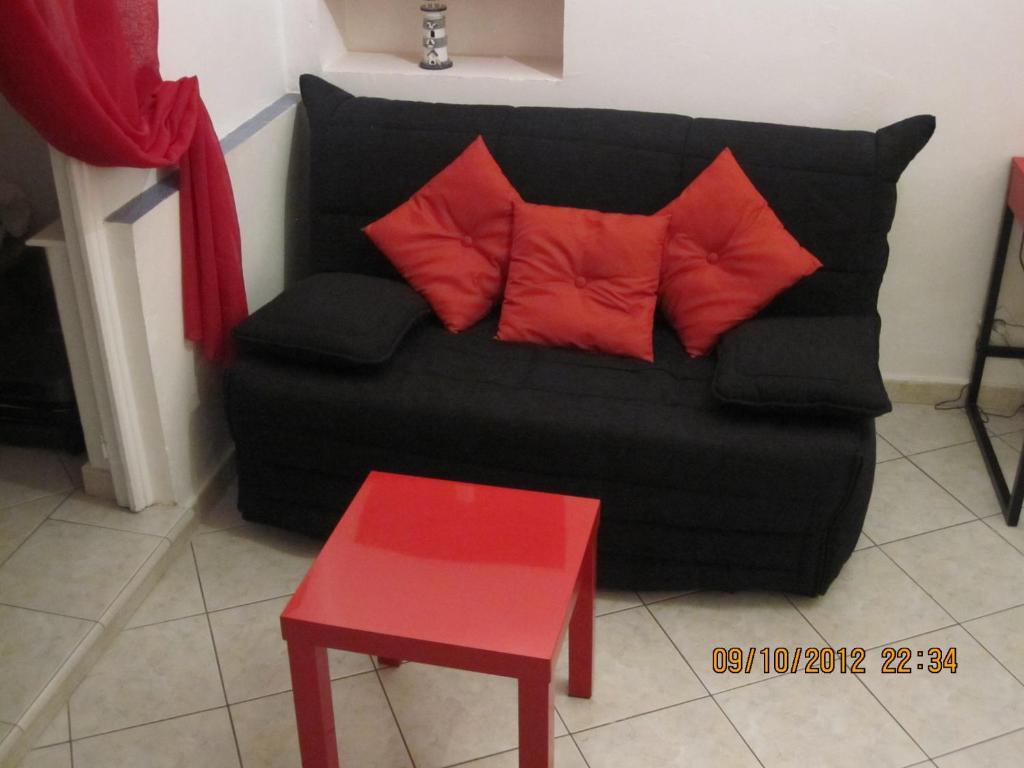 A seating area at Studio Vieux Menton