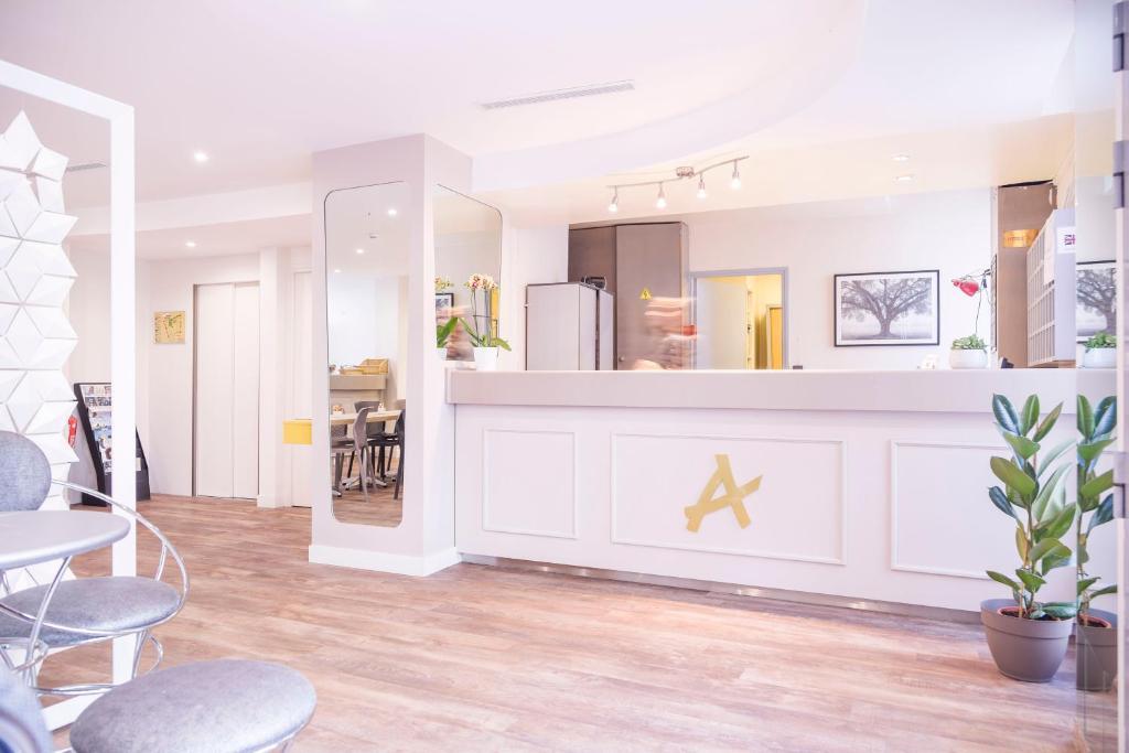 hotel des arts rueil malmaison tarifs 2019. Black Bedroom Furniture Sets. Home Design Ideas