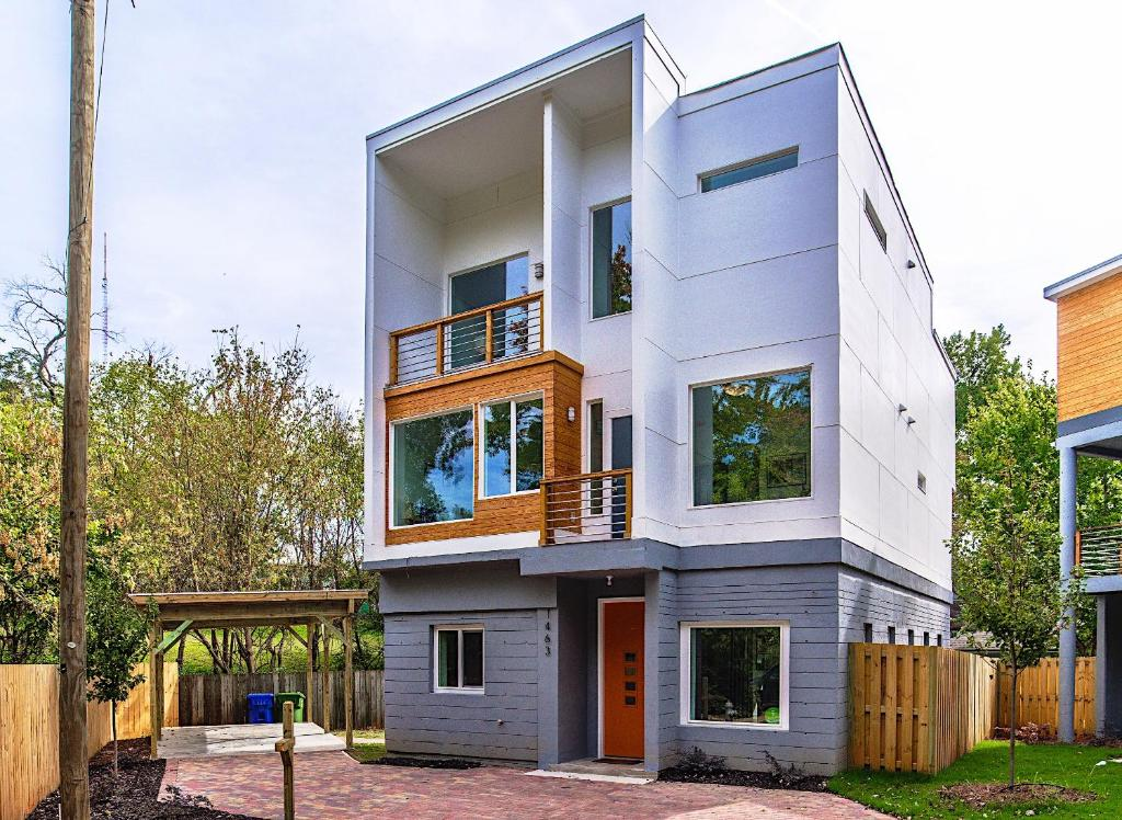 Tiny Home Designs: Vacation Home Modern Home, Atlanta, GA