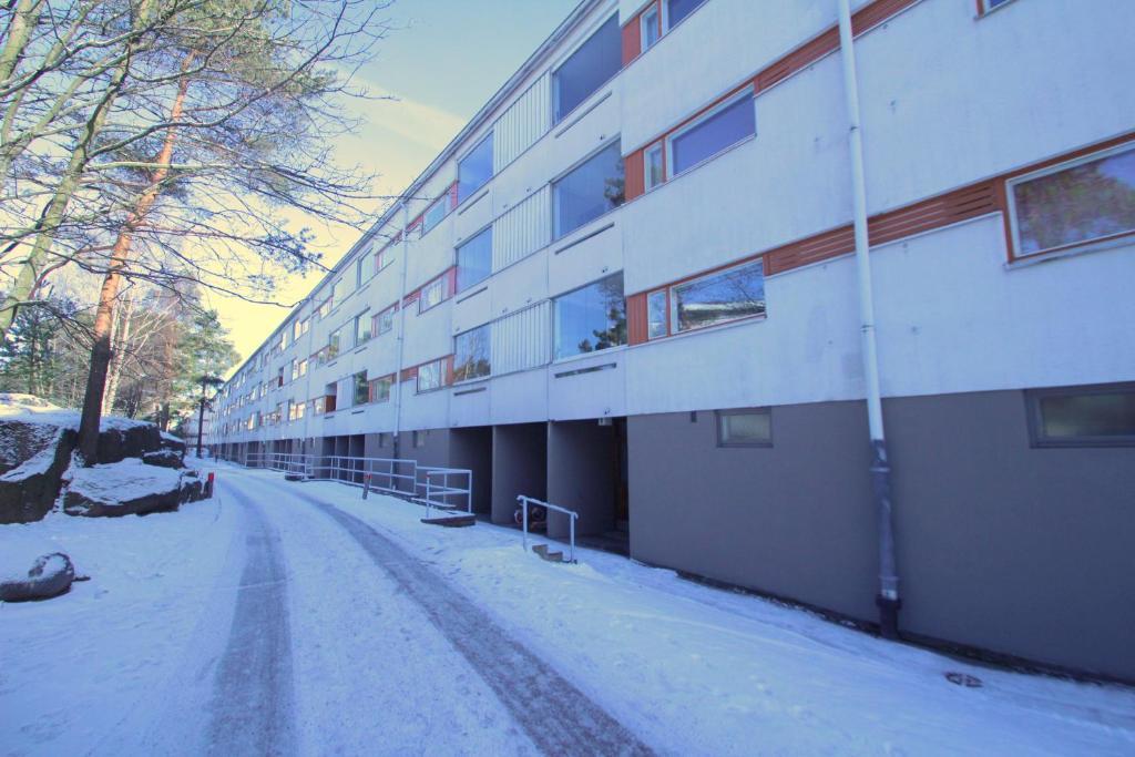 Three bedroom apartment in Helsinki, Liusketie 6 (ID 9066), Helsinki – päivitetyt vuoden 2018 hinnat