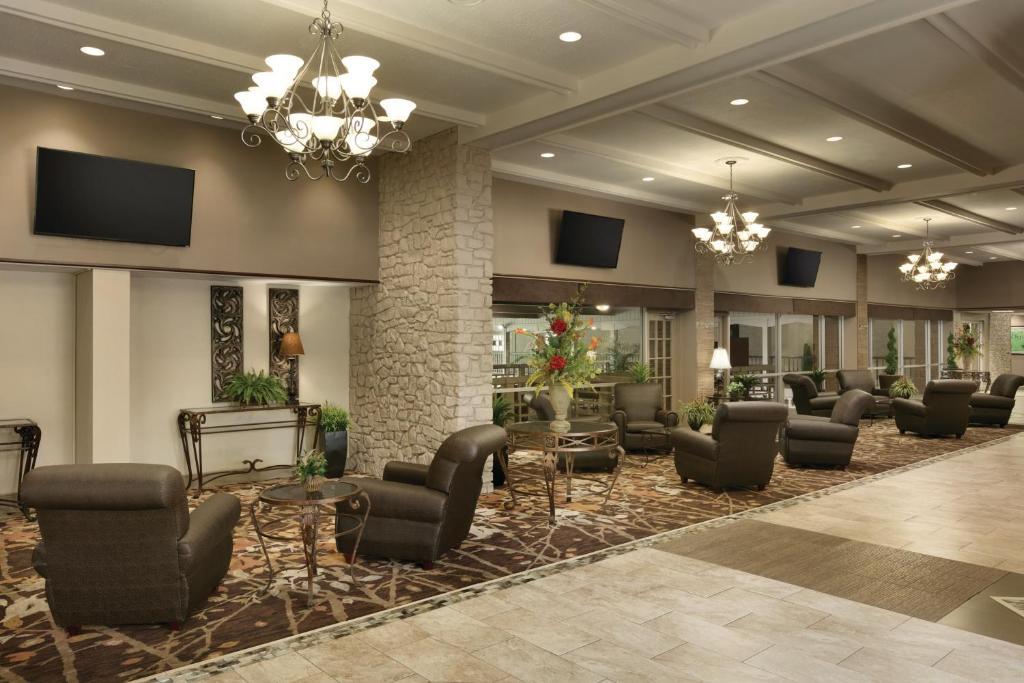 Radisson Hotel Louisville North, Clarksville, IN - Booking.com