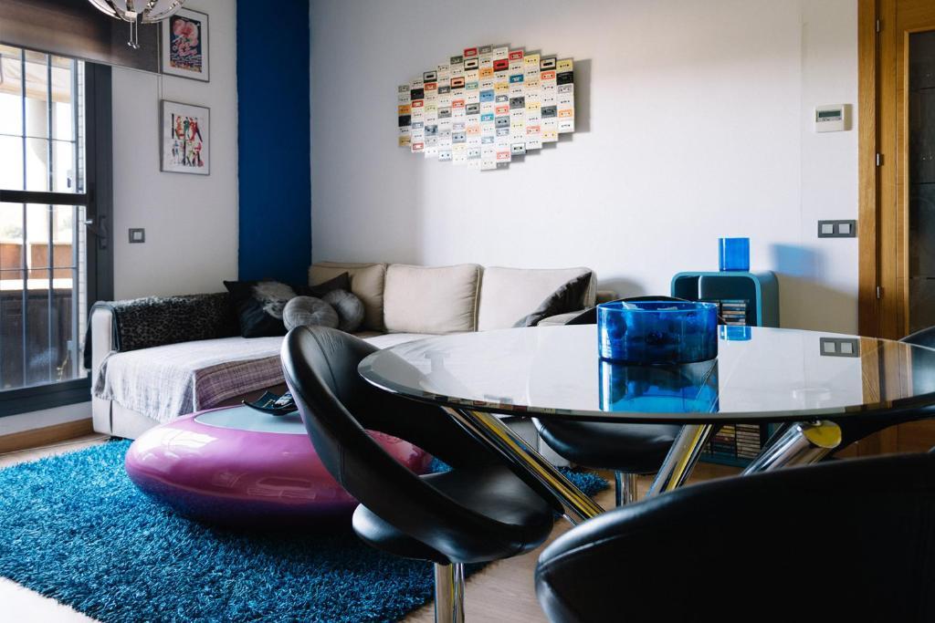 Apartment Atico Pop 110m Con Terraza Camas Spain Booking Com