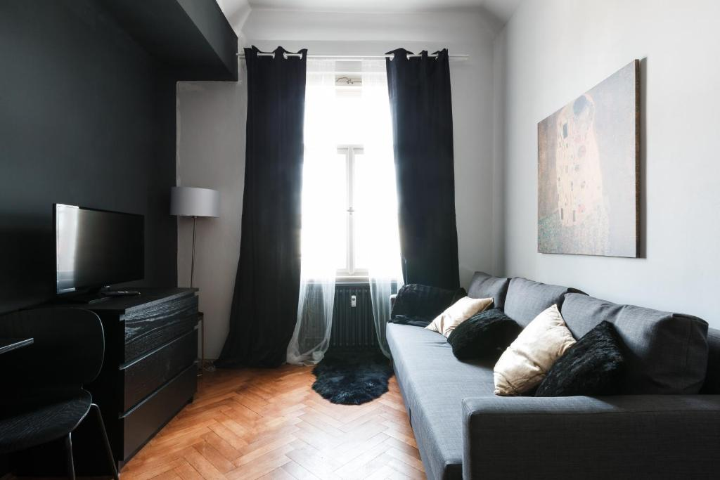 Designer apartments veverkova prague czech republic for Designer apartment prague