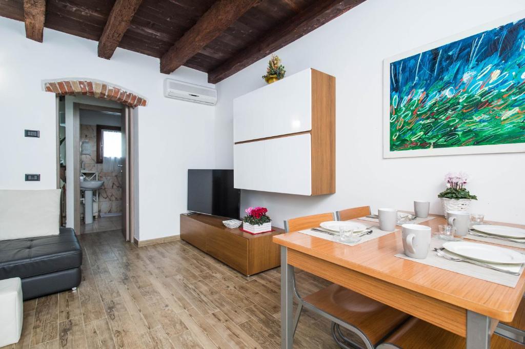 Villa Broglia House