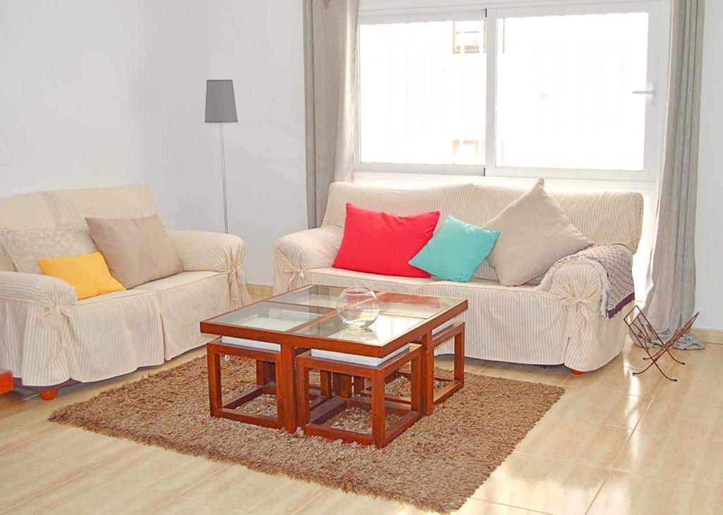 A seating area at Apartamento Dacil