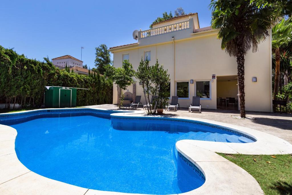Luxus pool  Villa Luxus, Marbella – Updated 2018 Prices