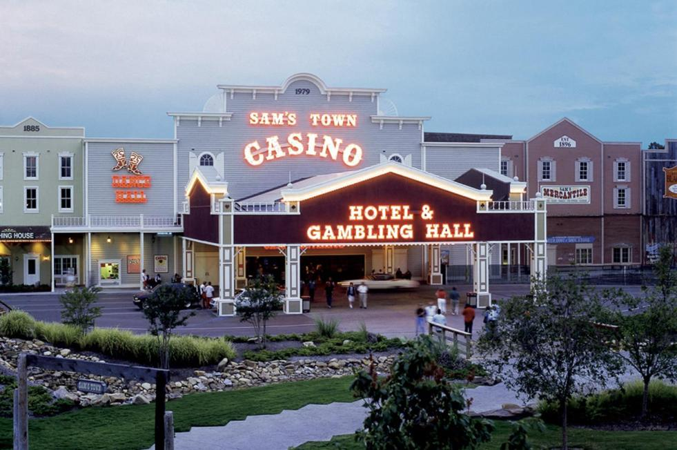 Sam S Town Hotel Tunica Tunica Resorts Ms Booking Com