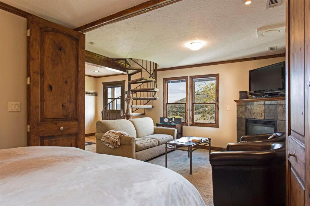 two bedroom condo. Gallery image of this property The Victorian Village 49  Two Bedroom Condo Park City UT