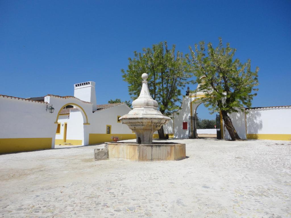 Apartamento monte da amoreira portugal elvas for Piscina elvas