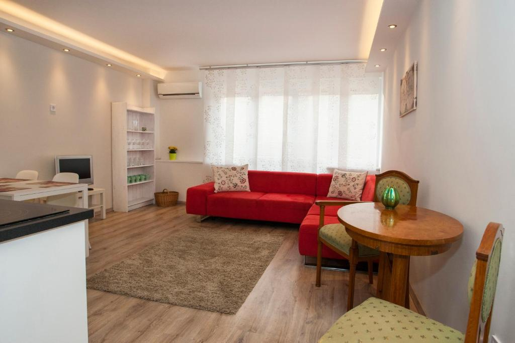Гостиная зона в Ilona 2 bedrooms apartment in the center