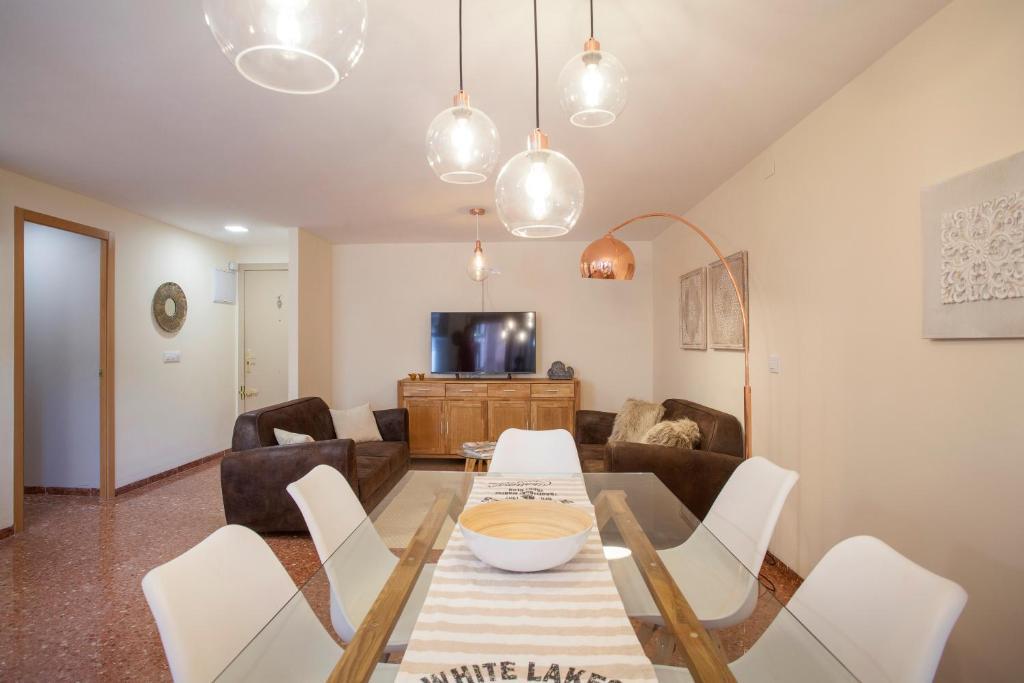Jardines del Turia - Espacioso apartamento, Valencia – Precios ...
