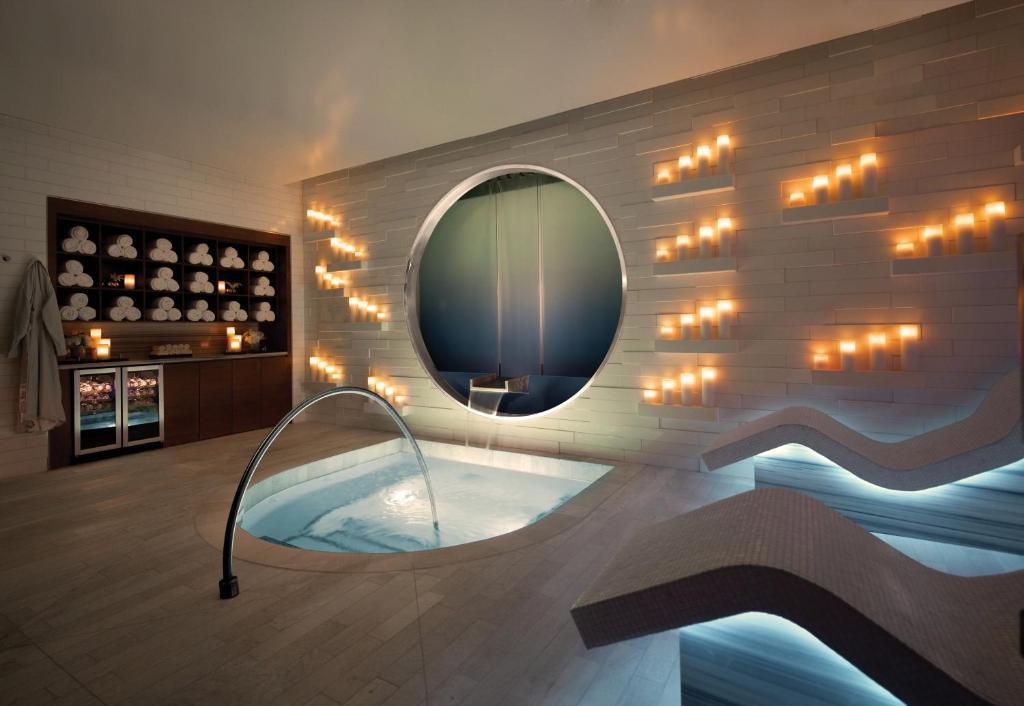 One Bedroom Condo | Vdara at City Center, Las Vegas, NV - Booking.com