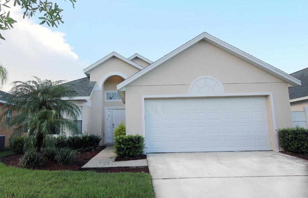 Four bedroom vacation home near disney 47rr23 kissimmee usa for 7 bedroom vacation homes in kissimmee fl