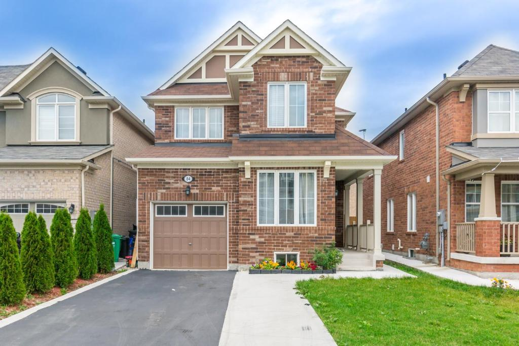 Fine Charming 4 Bedroom Retreat Brampton Updated Na 2019 Prices Home Interior And Landscaping Palasignezvosmurscom