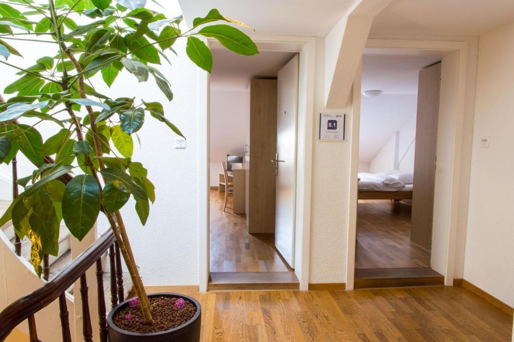 Pension Restaurant Papagei (Schweiz St. Gallen) - Booking.com