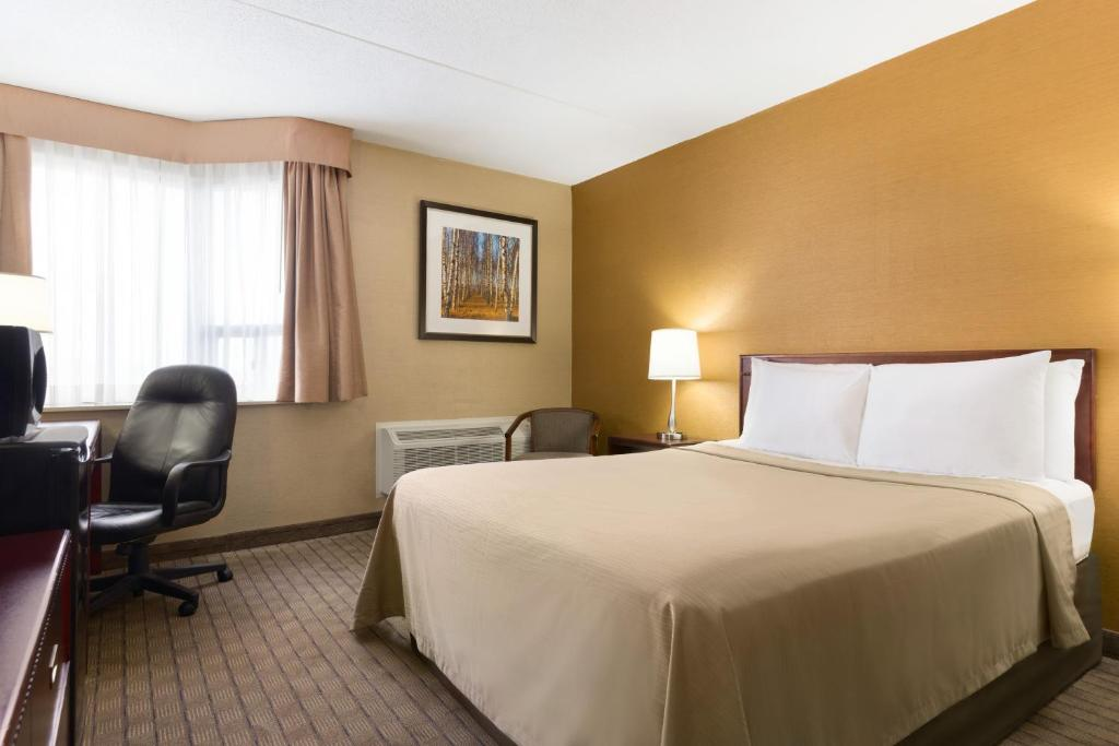 Travelodge by wyndham toronto east toronto updated 2018 prices gallery image of this property colourmoves