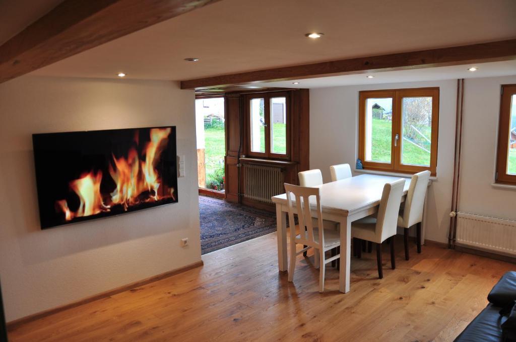 Moderne Traditionele Woonkamer : Moderne woonkamers room design nl homedesignersuite