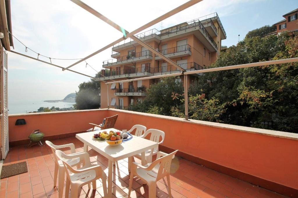 Apartment La Terrazza sul Golfo, Arenzano, Italy - Booking.com
