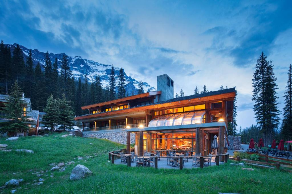 Moraine Lake Lodge Lake Louise Canada Booking Com