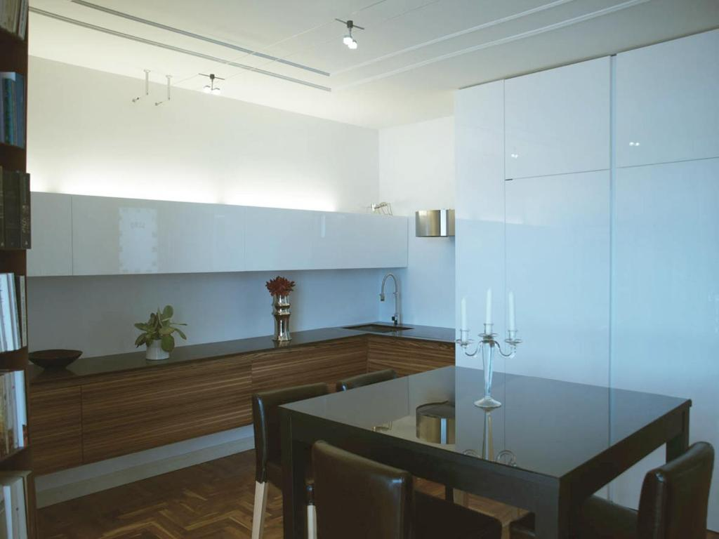 A kitchen or kitchenette at Residence Villa Greta