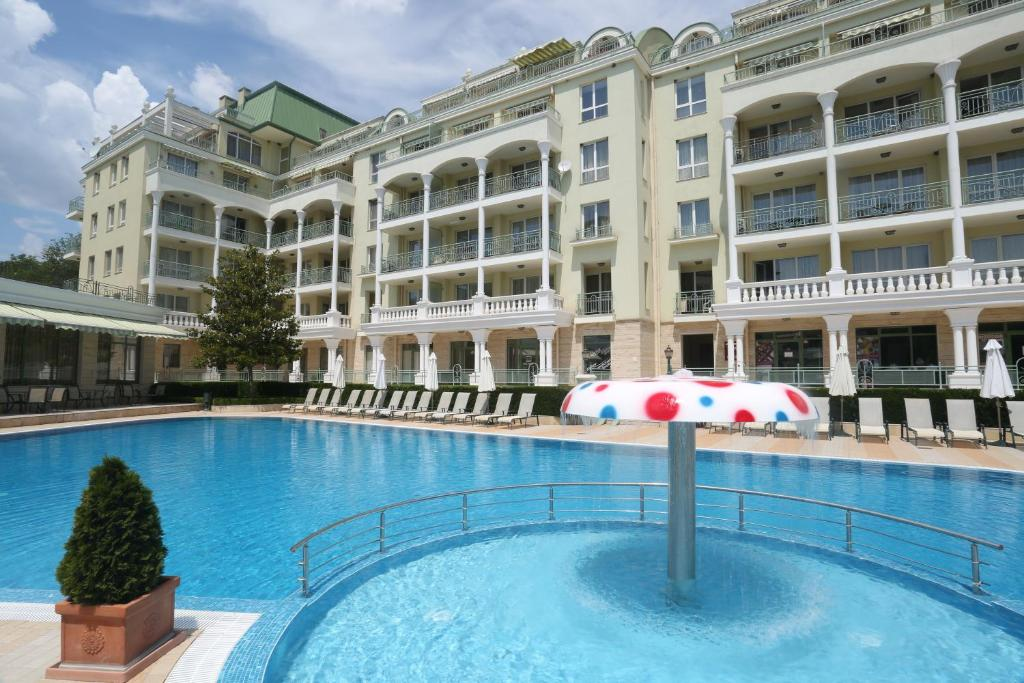 The swimming pool at or near ApartComplex Splendid