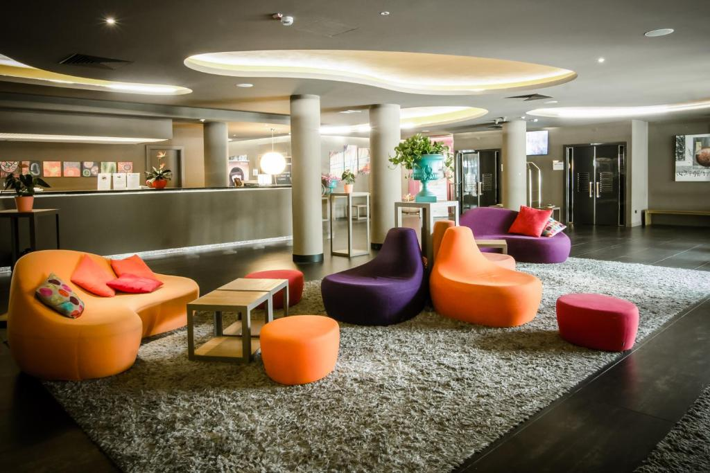 The lounge or bar area at The Gate Hotel