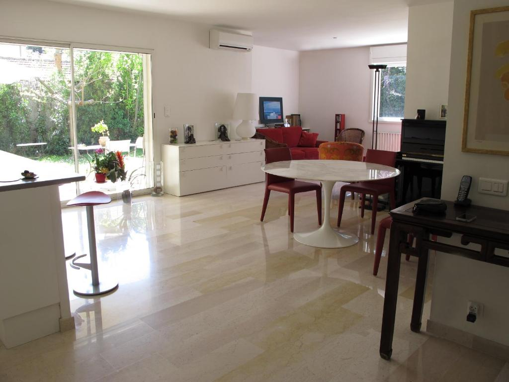 Ferienwohnung 3 chambres et grand jardin (Frankreich Aix-en-Provence ...