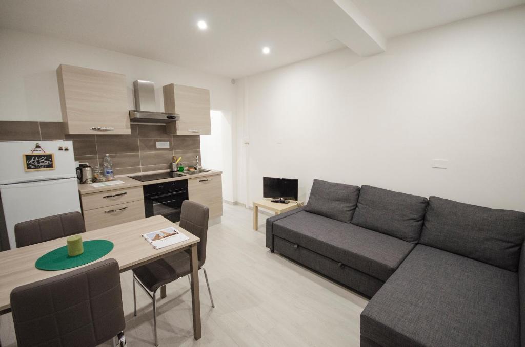 Bibiena lodge appartamento moderno in centro bologna for Appartamento moderno