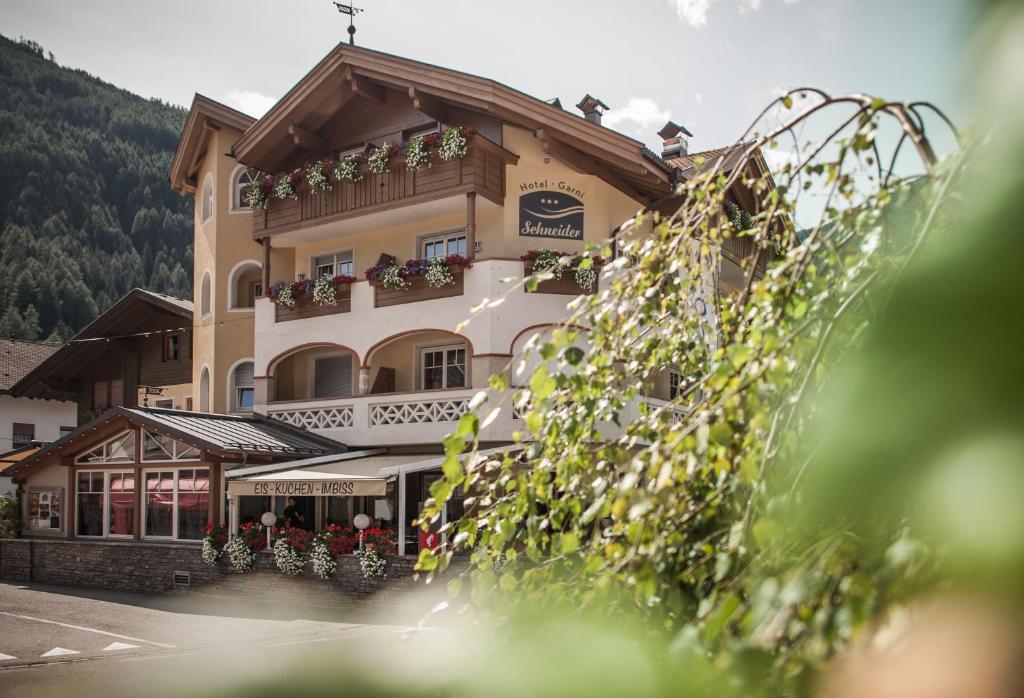 Armadietto Da Bagno Schneider : Hotel garni schneider lutago u prezzi aggiornati per il