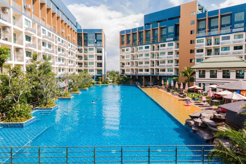 laguna beach resort 2 by pattaya sunny rentals jomtien. Black Bedroom Furniture Sets. Home Design Ideas